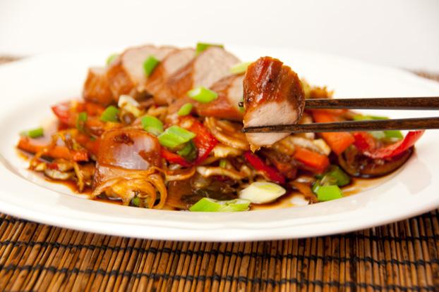 Schweinefilet mit asiatischem Gemüse