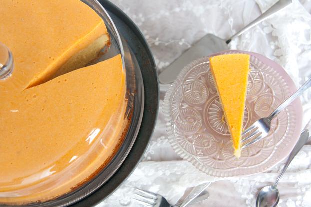 Torte mit Marillencreme